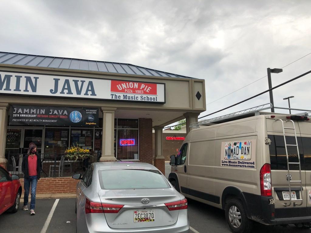 Nomad Dan's Van in front of Jammin Java